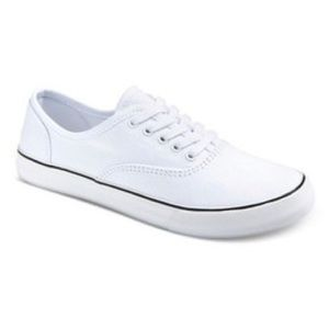✨3/$20✨ White Canvas Shoes